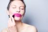 Rouge à lèvres fushia - Source libre Gratisography