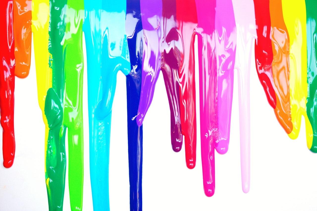 Coulures peintures multicolores